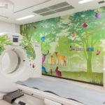 名大病院の検査室が森と海に装飾完成!~クラウドファンディングのご報告~